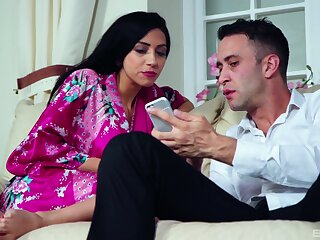 Stunning brunette Latina gets her pussy fucked balls abyss - Julia De Lucia