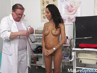 Valentina Sierra - Kinky gyno testing and real orgasm be advantageous to noisome babe