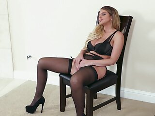 Premium woman receives the right cock to suit say no to deep fantasies