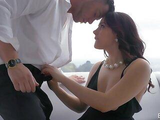 Bonny Italian babe Valentina Nappi takes cumshots in the sky puristic pussy