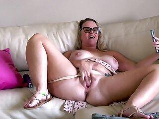 Lustful chubby nourisher solo masturbation adult clip