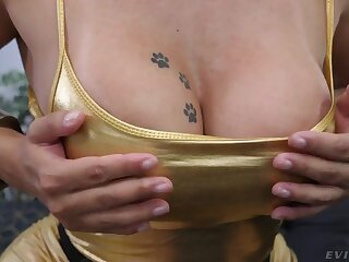 Vibrant chunky bottomed bombshell Mia Linz loves nothing outside of hardcore threesome