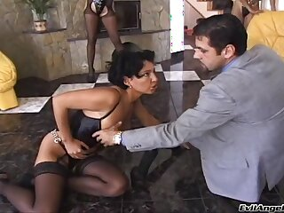 Facsimile penetration threesome with stars Nikki Anderson with an increment of Annie